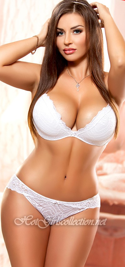 Isreali woman in bikinis