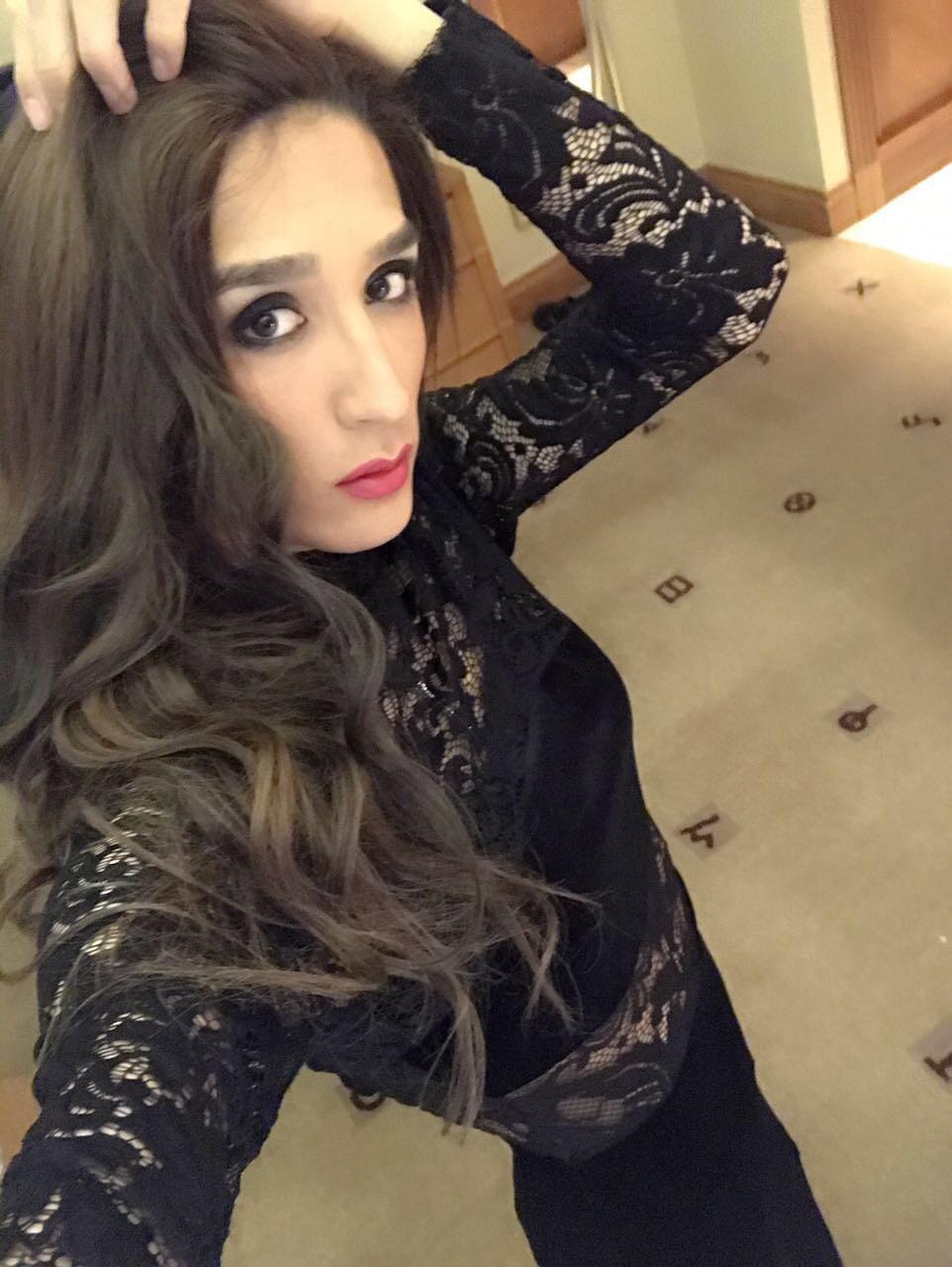 ... Shemale Turkish Rose Huge Dick +971529183752 Dubai - 4 ...